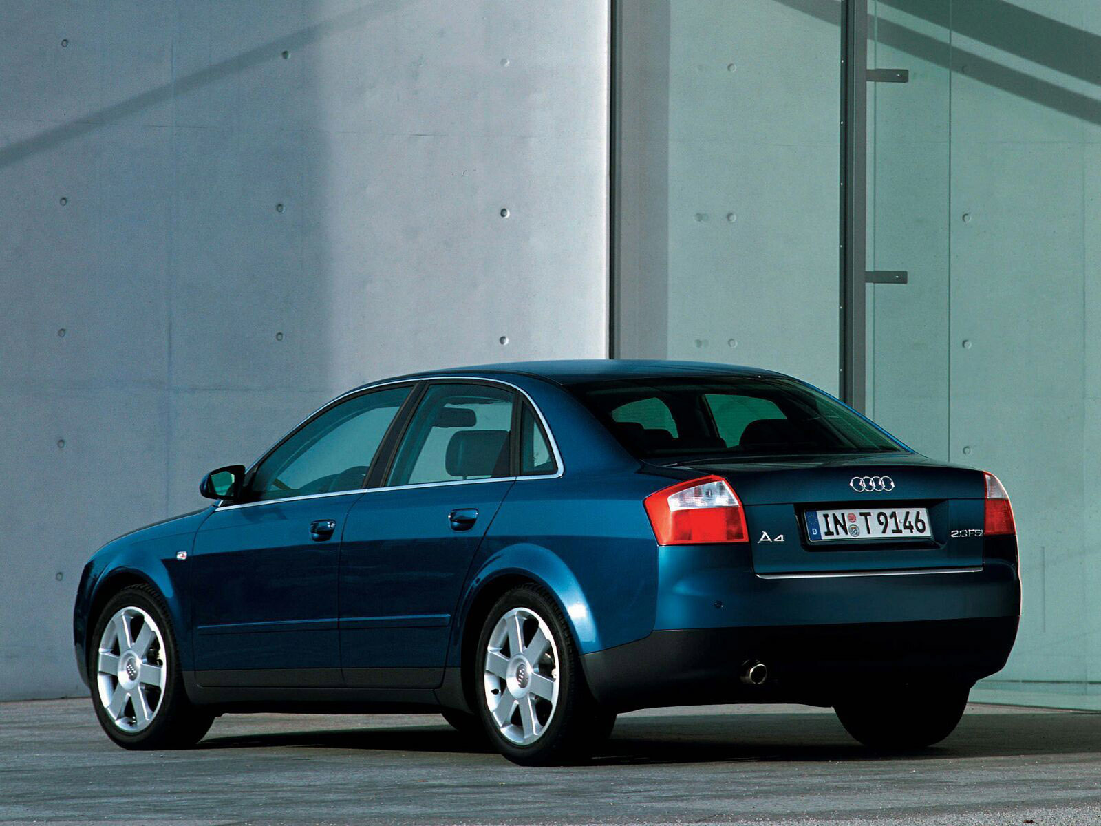 audi a4 sedan 2000 2004 audi a4 sedan 2000 2004 photo 07 car in pictures car photo gallery. Black Bedroom Furniture Sets. Home Design Ideas
