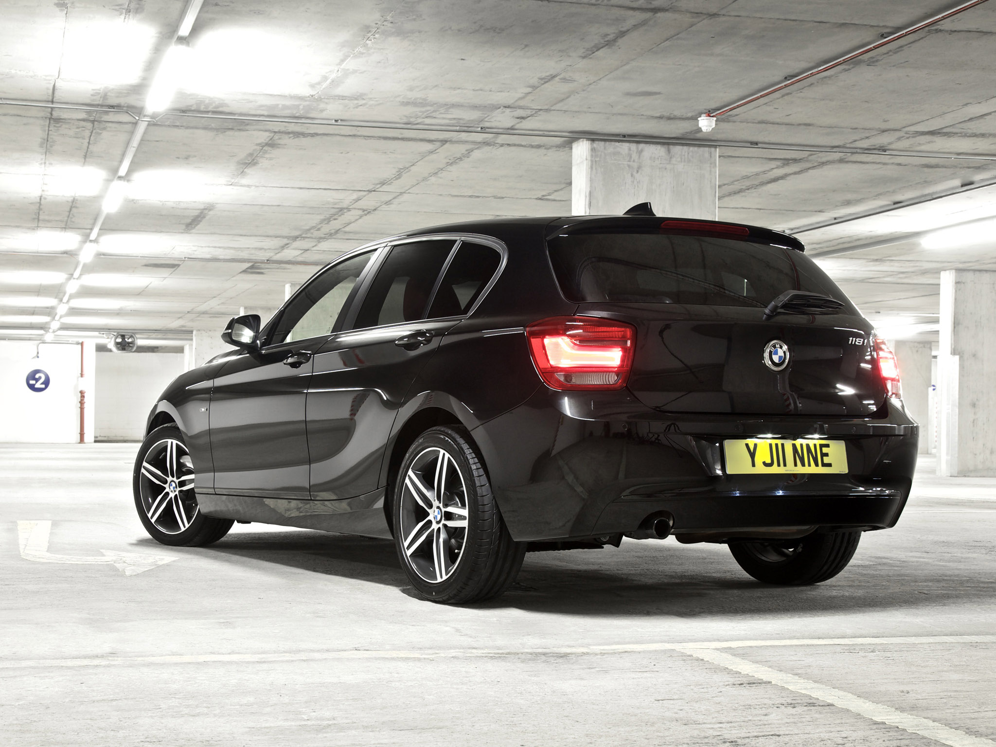 bmw 1 series 118i 5 door sport line f20 uk 2011 bmw 1 series 118i 5 door sport line f20 uk 2011. Black Bedroom Furniture Sets. Home Design Ideas
