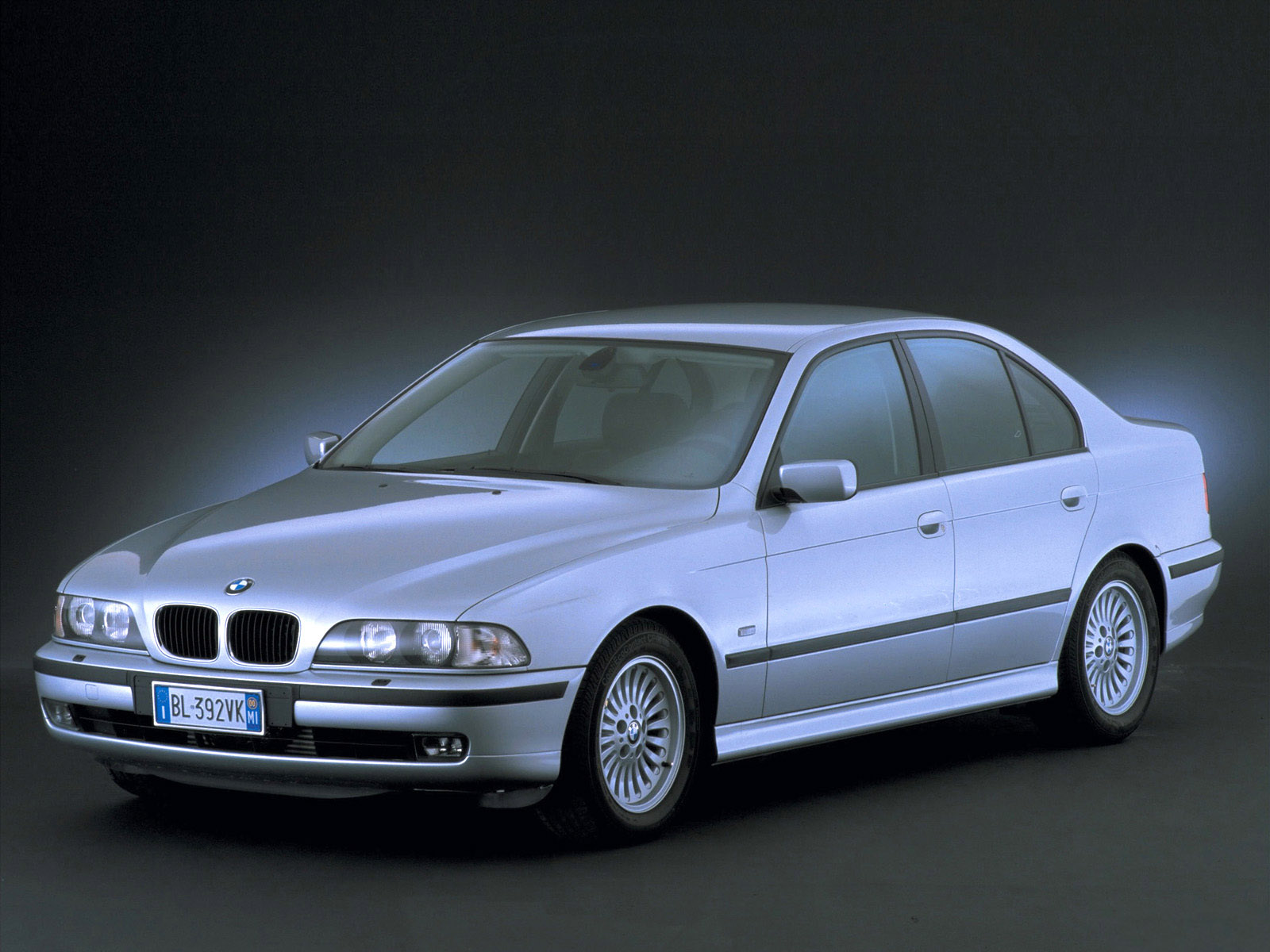 Bmw 5 Series 2000 Dimensions