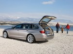 BMW 5-Series 520d Touring 2010 Photo 05