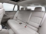 BMW 5-Series 520d Touring 2010 Photo 32