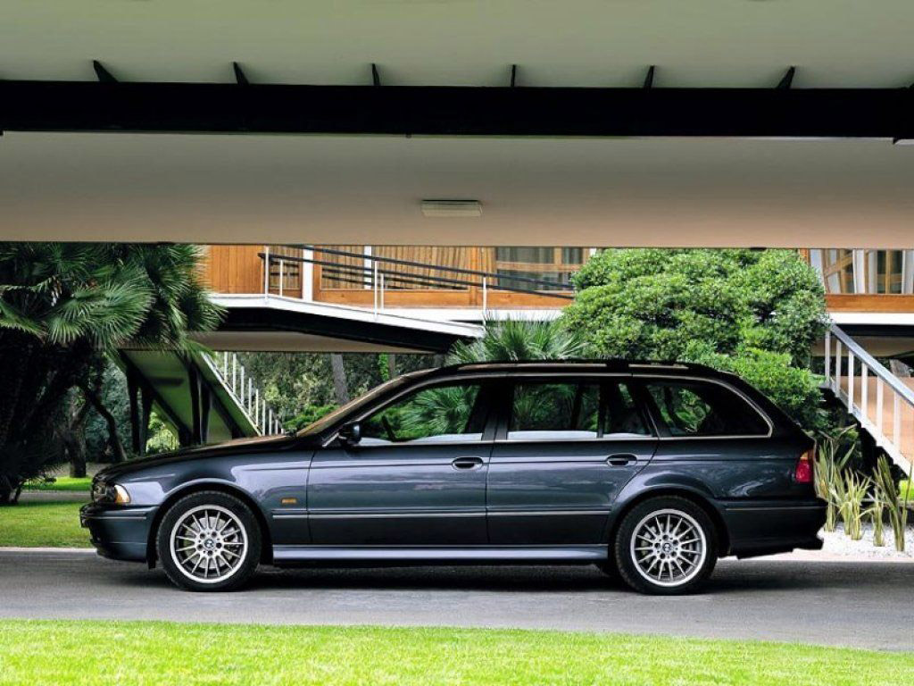 bmw 5 series 540i touring e39 1997 2004 bmw 5 series 540i touring e39 1997 2004 photo 03 car. Black Bedroom Furniture Sets. Home Design Ideas