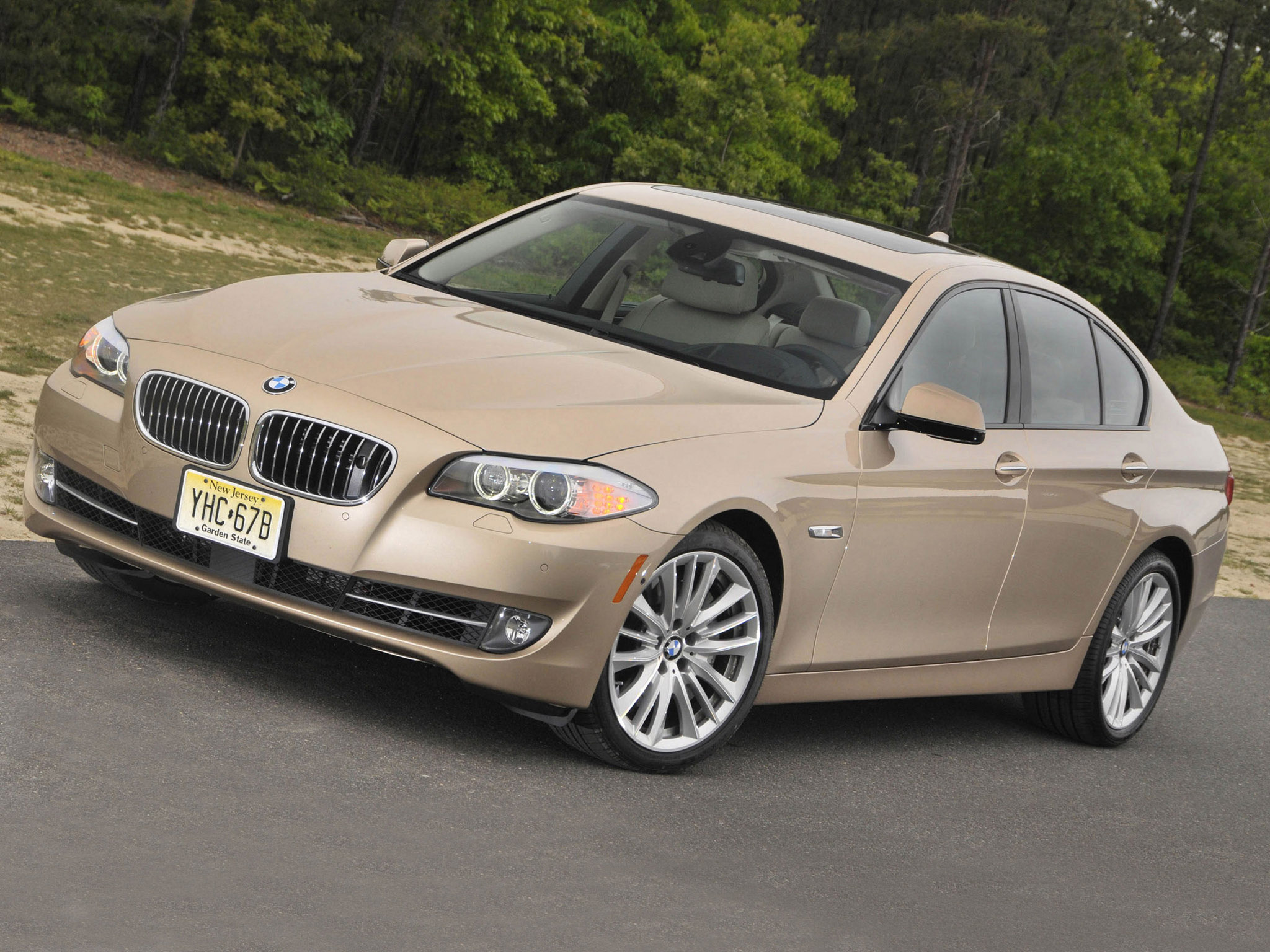 bmw 5 series 550i sedan usa f10 2010 bmw 5 series 550i sedan usa f10 2010 photo 07 car in. Black Bedroom Furniture Sets. Home Design Ideas