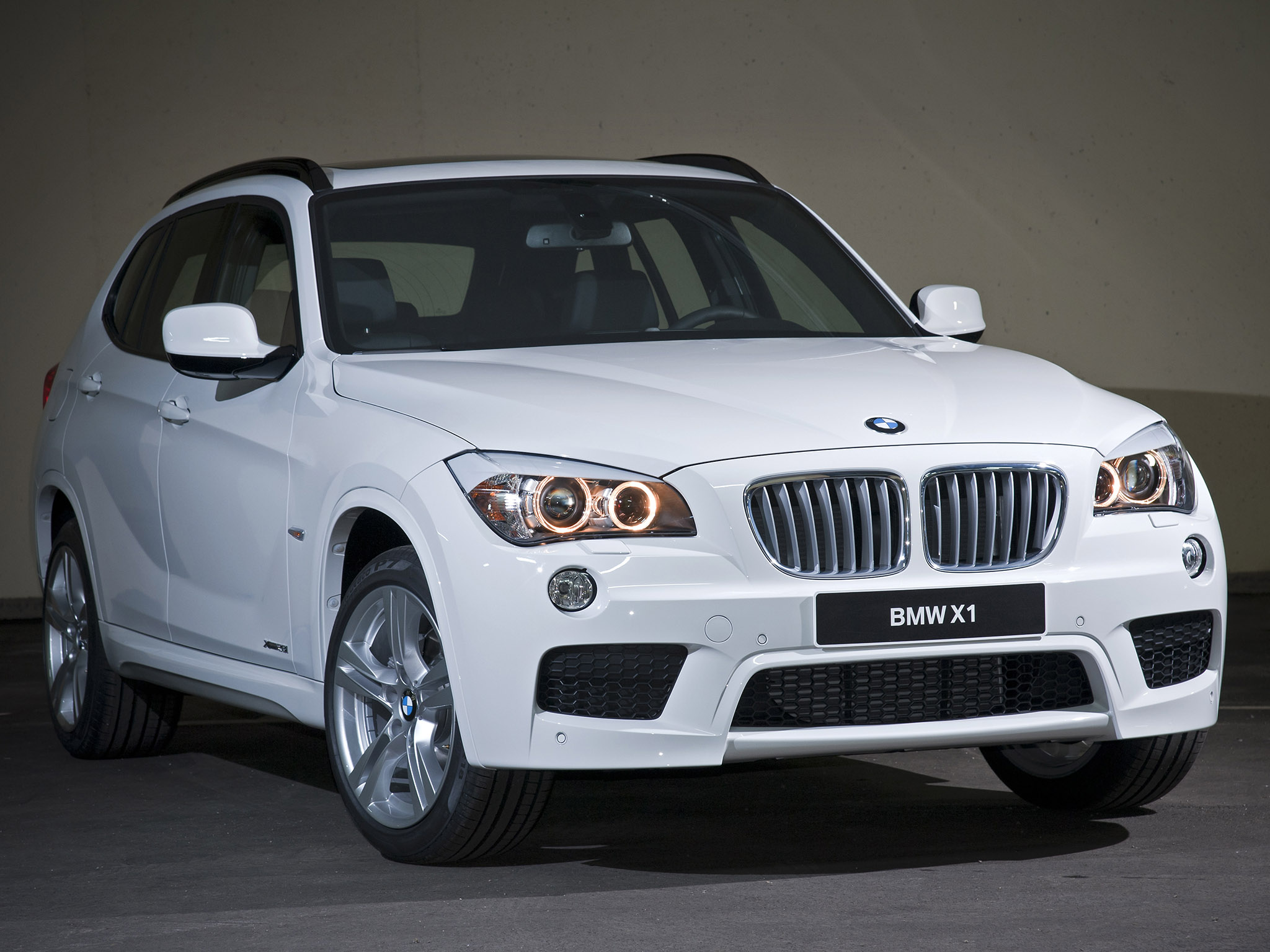 bmw x1 m package 2011 bmw x1 m package 2011 photo 05 car in pictures car photo gallery. Black Bedroom Furniture Sets. Home Design Ideas
