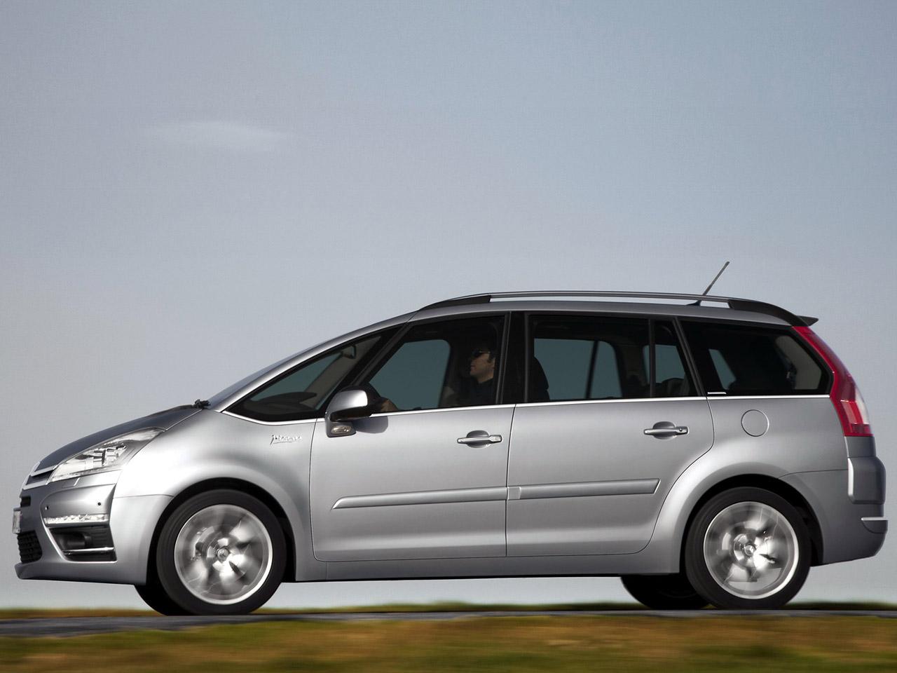 citroen c4 grand picasso 2010 citroen c4 grand picasso 2010 photo 03 car in pictures car. Black Bedroom Furniture Sets. Home Design Ideas