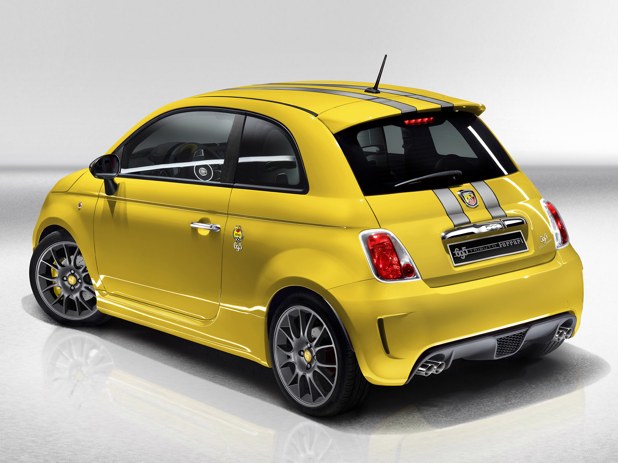 fiat 500 abarth 695 tributo ferrari 2011 fiat 500 abarth 695 tributo ferrari 2011 photo 03 car. Black Bedroom Furniture Sets. Home Design Ideas