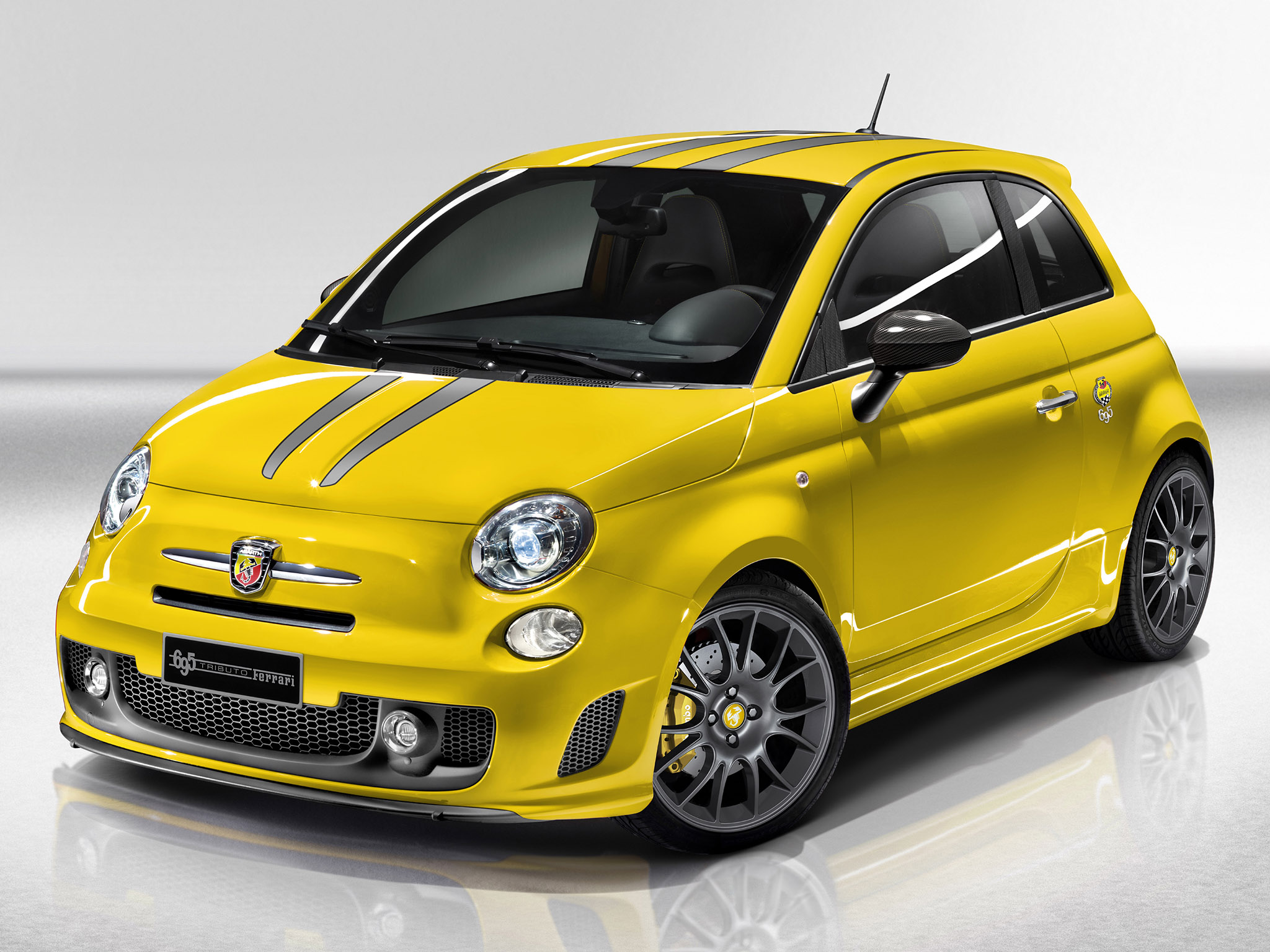 fiat 500 abarth 695 tributo ferrari 2011 fiat 500 abarth. Black Bedroom Furniture Sets. Home Design Ideas