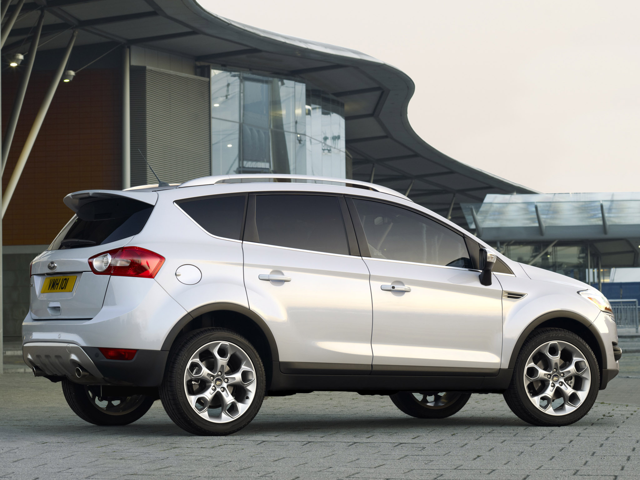 ford kuga titanium s 2011 ford kuga titanium s 2011 photo 07 car in pictures car photo gallery. Black Bedroom Furniture Sets. Home Design Ideas