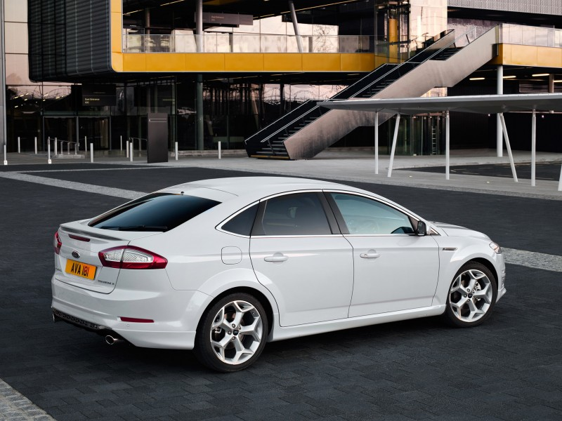 ford mondeo titanium x hatchback 2010 ford mondeo titanium x hatchback 2010 photo 01 car in. Black Bedroom Furniture Sets. Home Design Ideas