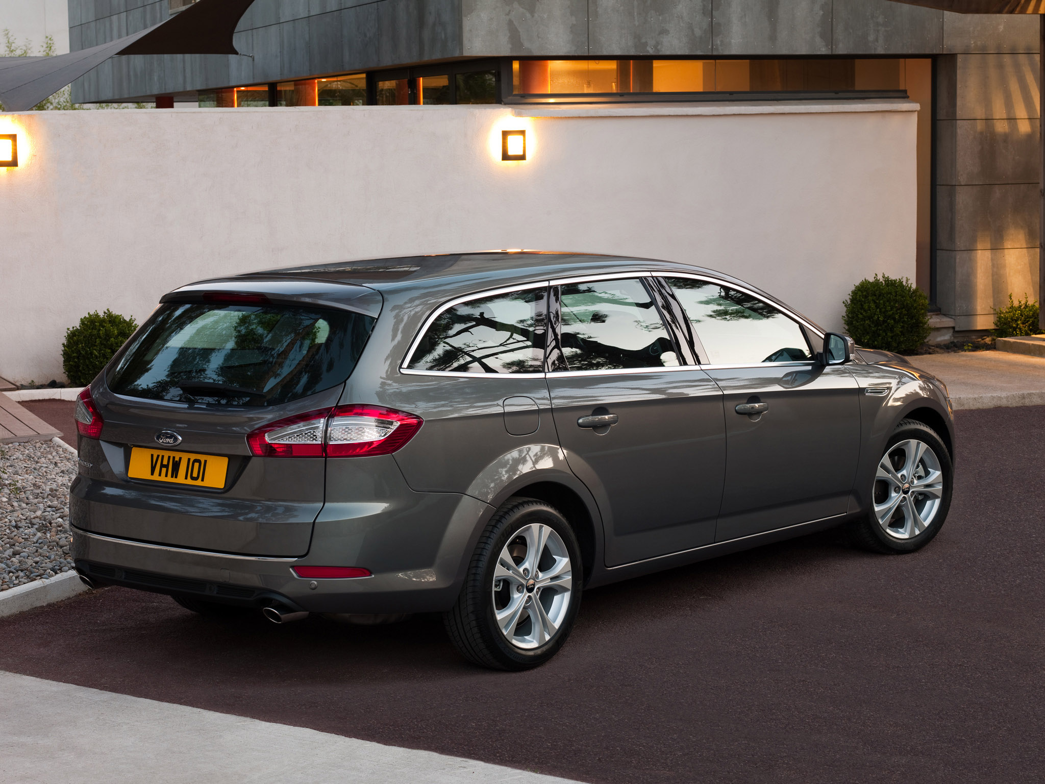 ford mondeo turnier 2010 ford mondeo turnier 2010 photo 08 car in pictures car photo gallery. Black Bedroom Furniture Sets. Home Design Ideas