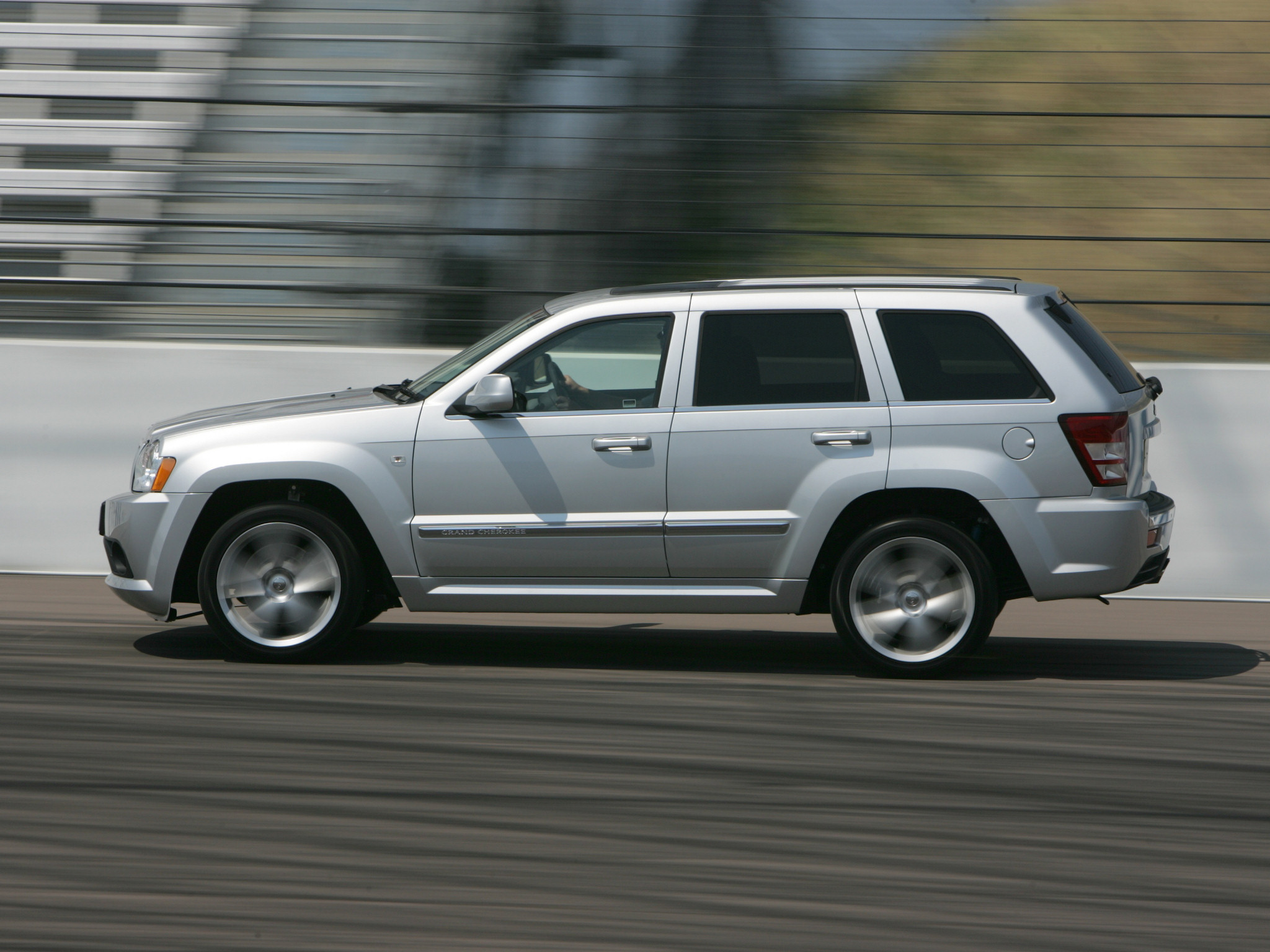 jeep grand cherokee srt 8 2006 jeep grand cherokee srt 8. Cars Review. Best American Auto & Cars Review