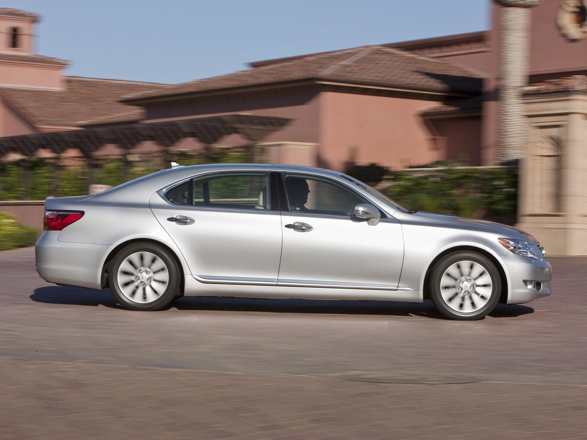 http://carinpicture.com/wp-content/uploads/2012/01/Lexus-LS-460-L-2010-Photo-03.jpg