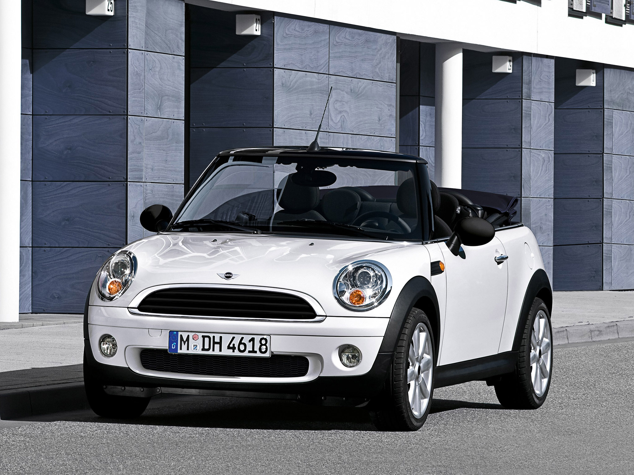 mini cooper one cabrio 2010 mini cooper one cabrio 2010 photo 04 car in pictures car photo. Black Bedroom Furniture Sets. Home Design Ideas