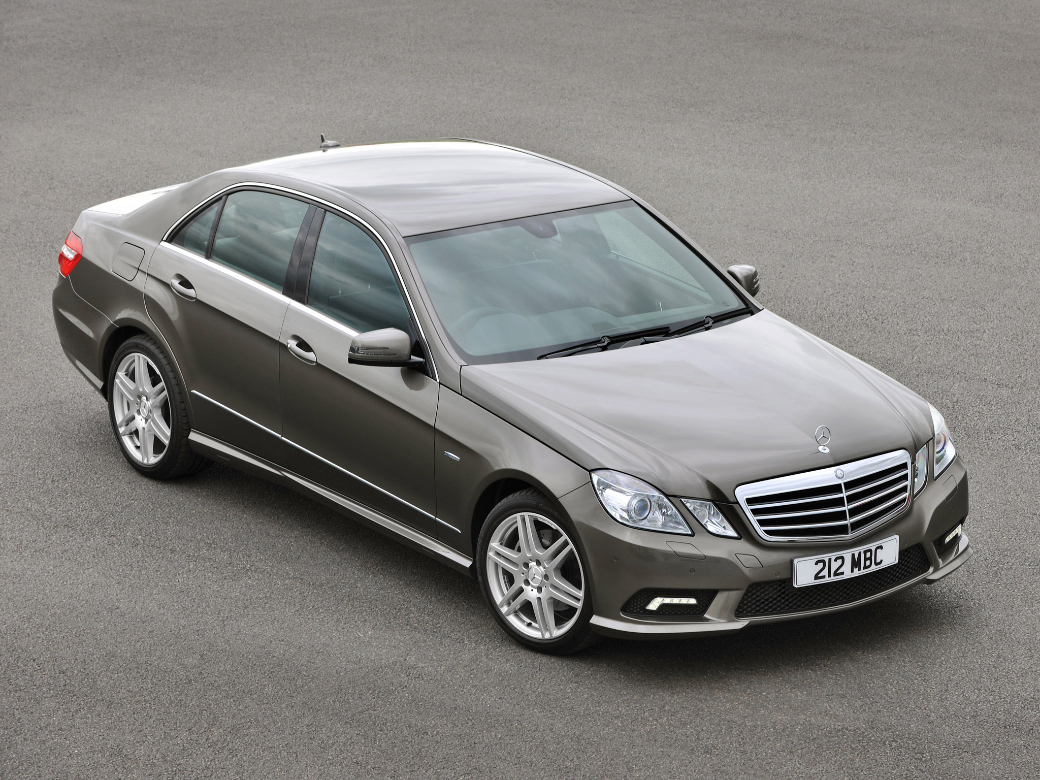 Mercedes e klasse e500 amg sports package uk w212 2009 for Mercedes benz e class 250
