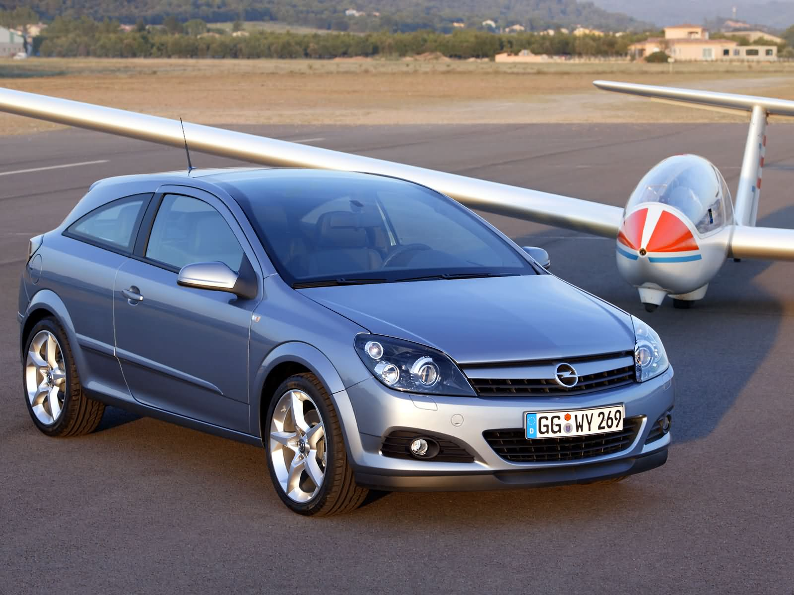 opel astra h gtc 2005 opel astra h gtc 2005 photo 05 car. Black Bedroom Furniture Sets. Home Design Ideas