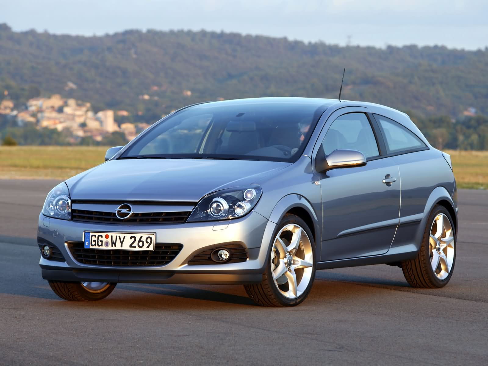 opel astra h gtc 2005 opel astra h gtc 2005 photo 07 car in pictures car photo gallery. Black Bedroom Furniture Sets. Home Design Ideas