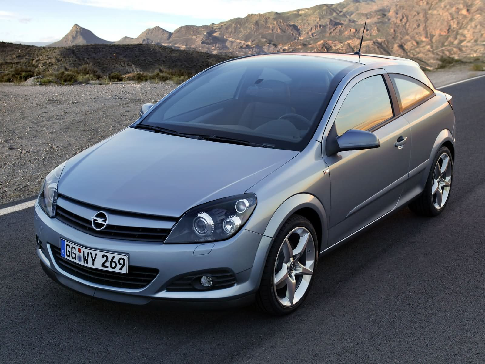 opel astra h gtc 2005 opel astra h gtc 2005 photo 10 car. Black Bedroom Furniture Sets. Home Design Ideas