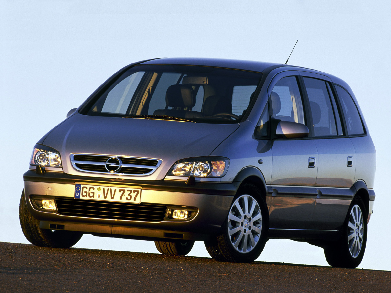 opel zafira 2003 2005 opel zafira 2003 2005 photo 01 car in pictures car photo gallery. Black Bedroom Furniture Sets. Home Design Ideas