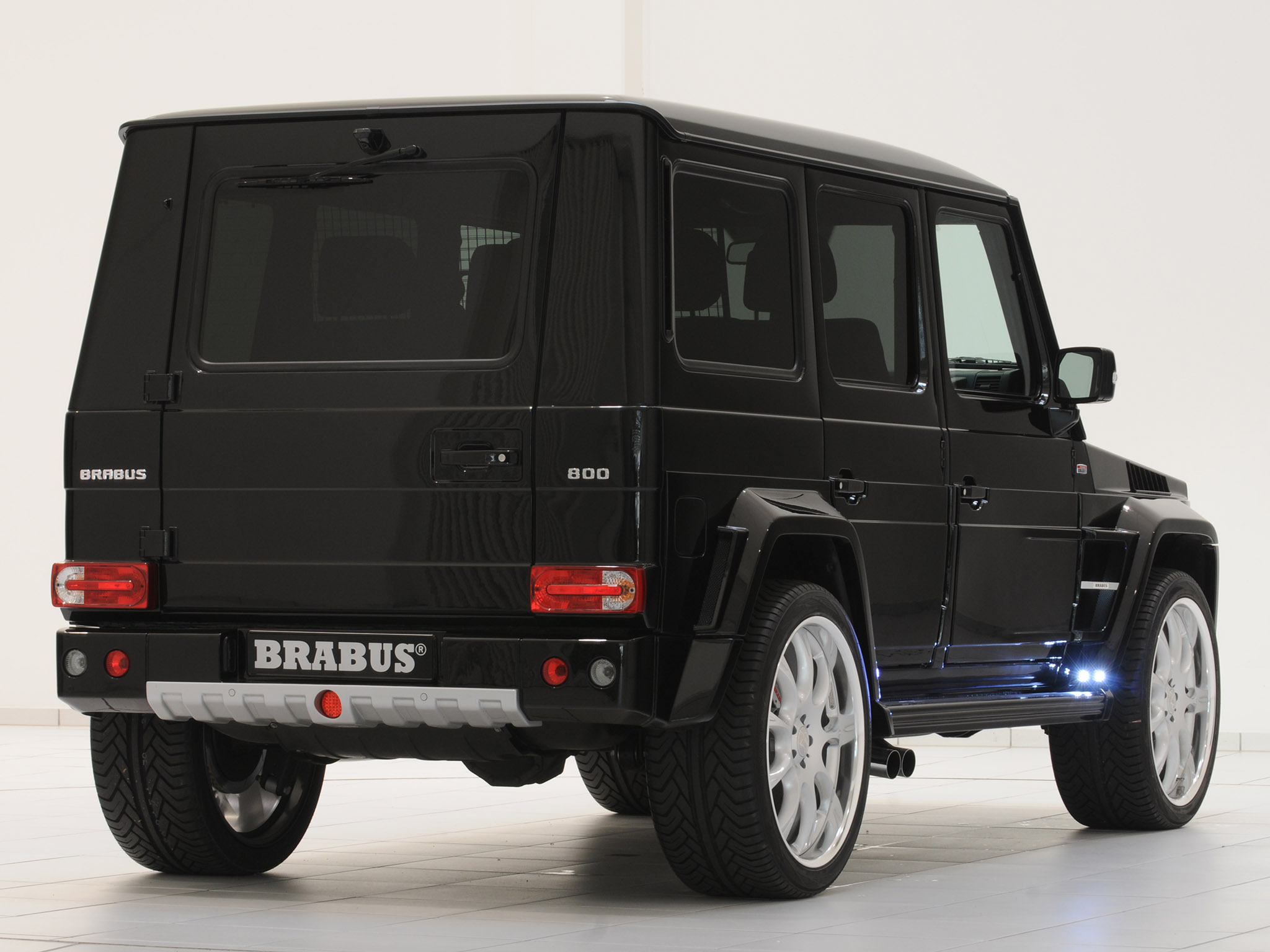 Brabus mercedes g 800 widestar 2011 brabus mercedes g 800 for Mercedes benz g wagon v12
