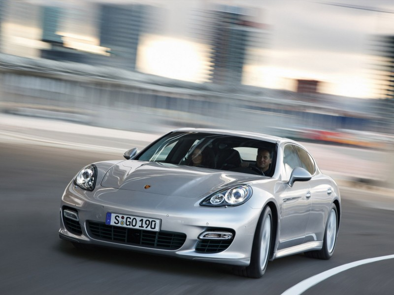Porsche Panamera Turbo 2009 Photo 31