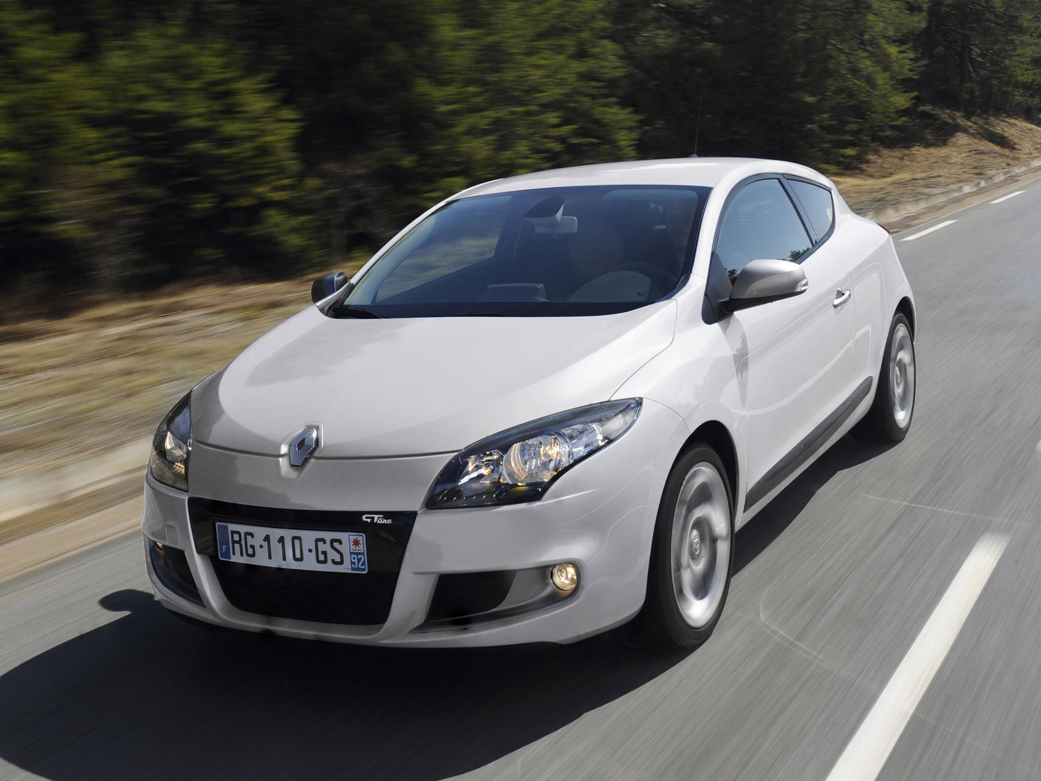 renault megane coupe gt line 2010 renault megane coupe gt line 2010 photo 03 car in pictures. Black Bedroom Furniture Sets. Home Design Ideas