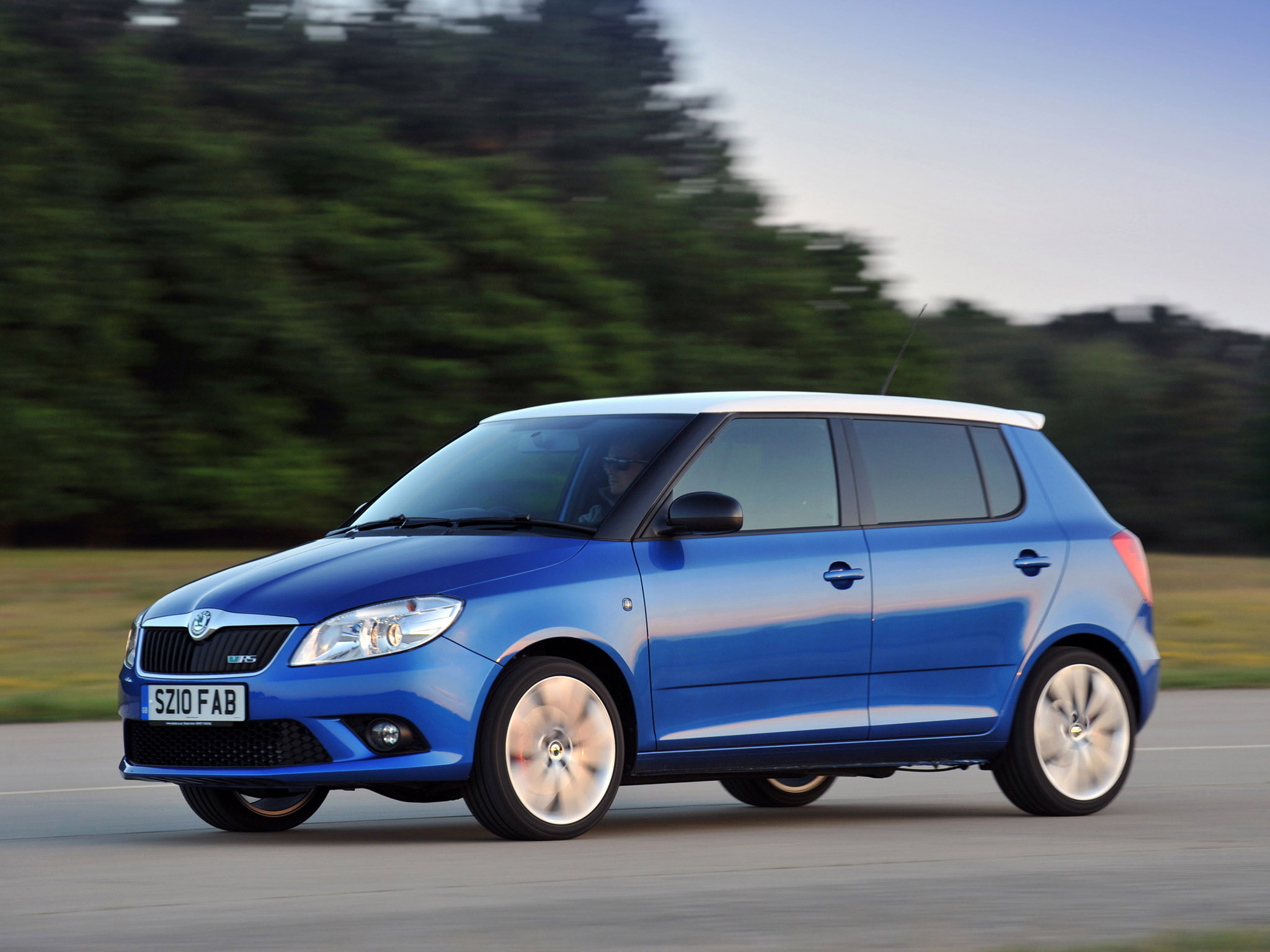 skoda fabia rs uk 2010 skoda fabia rs uk 2010 photo 19 car in pictures car photo gallery. Black Bedroom Furniture Sets. Home Design Ideas