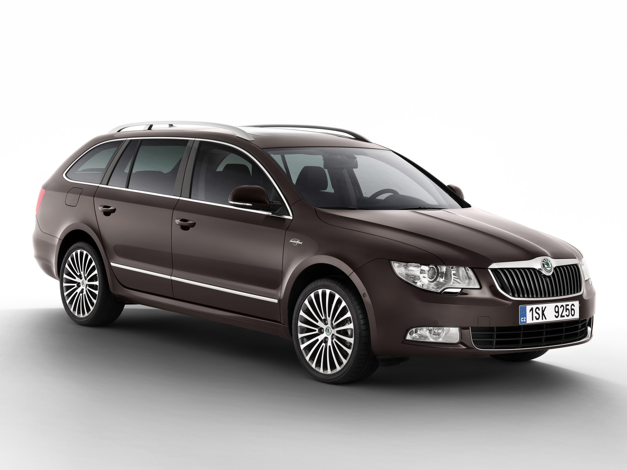 skoda superb combi laurin klement 2011 skoda superb combi laurin klement 2011 photo 03 car. Black Bedroom Furniture Sets. Home Design Ideas