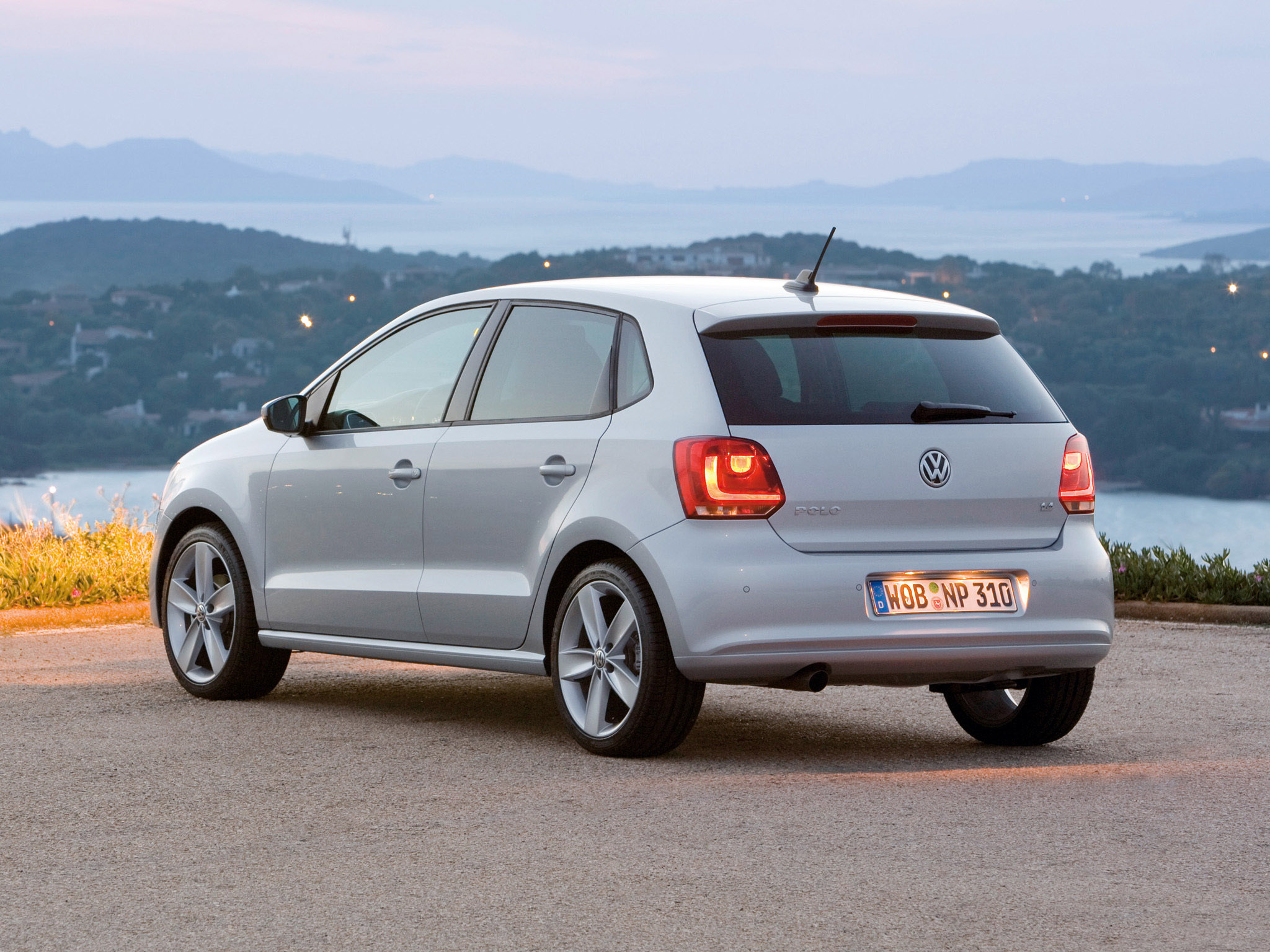 volkswagen polo 2009 volkswagen polo 2009 photo 22 car in pictures car photo gallery. Black Bedroom Furniture Sets. Home Design Ideas