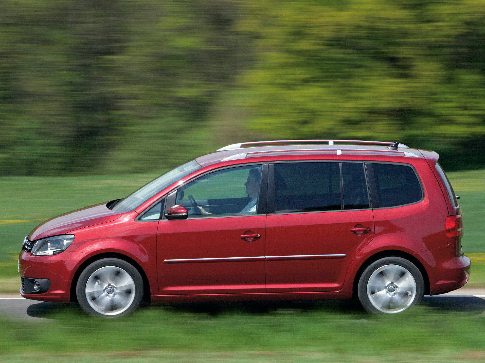 volkswagen touran 2010 volkswagen touran 2010 photo 05 car in pictures car photo gallery. Black Bedroom Furniture Sets. Home Design Ideas