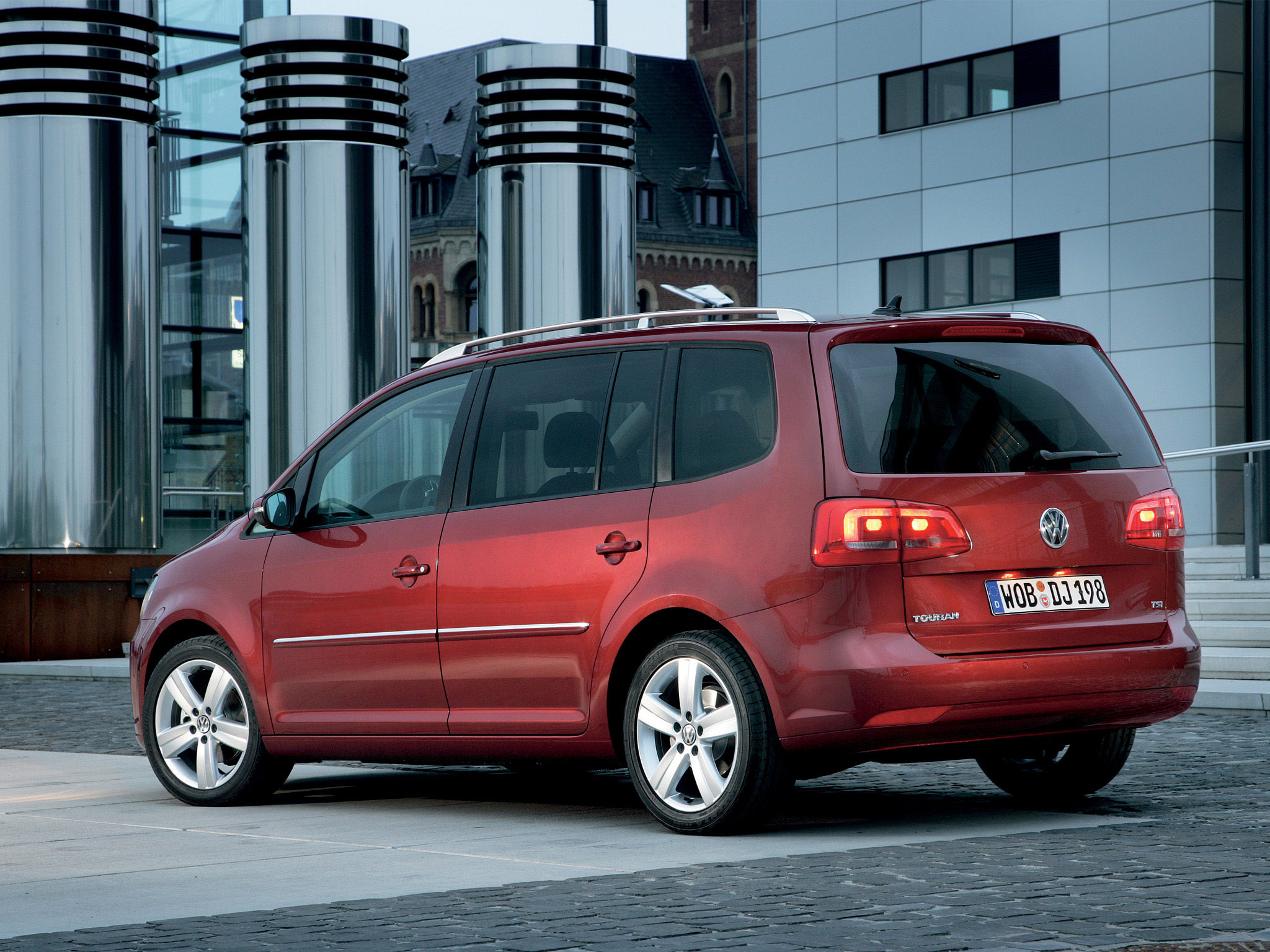 volkswagen touran 2010 volkswagen touran 2010 photo 08 car in pictures car photo gallery. Black Bedroom Furniture Sets. Home Design Ideas