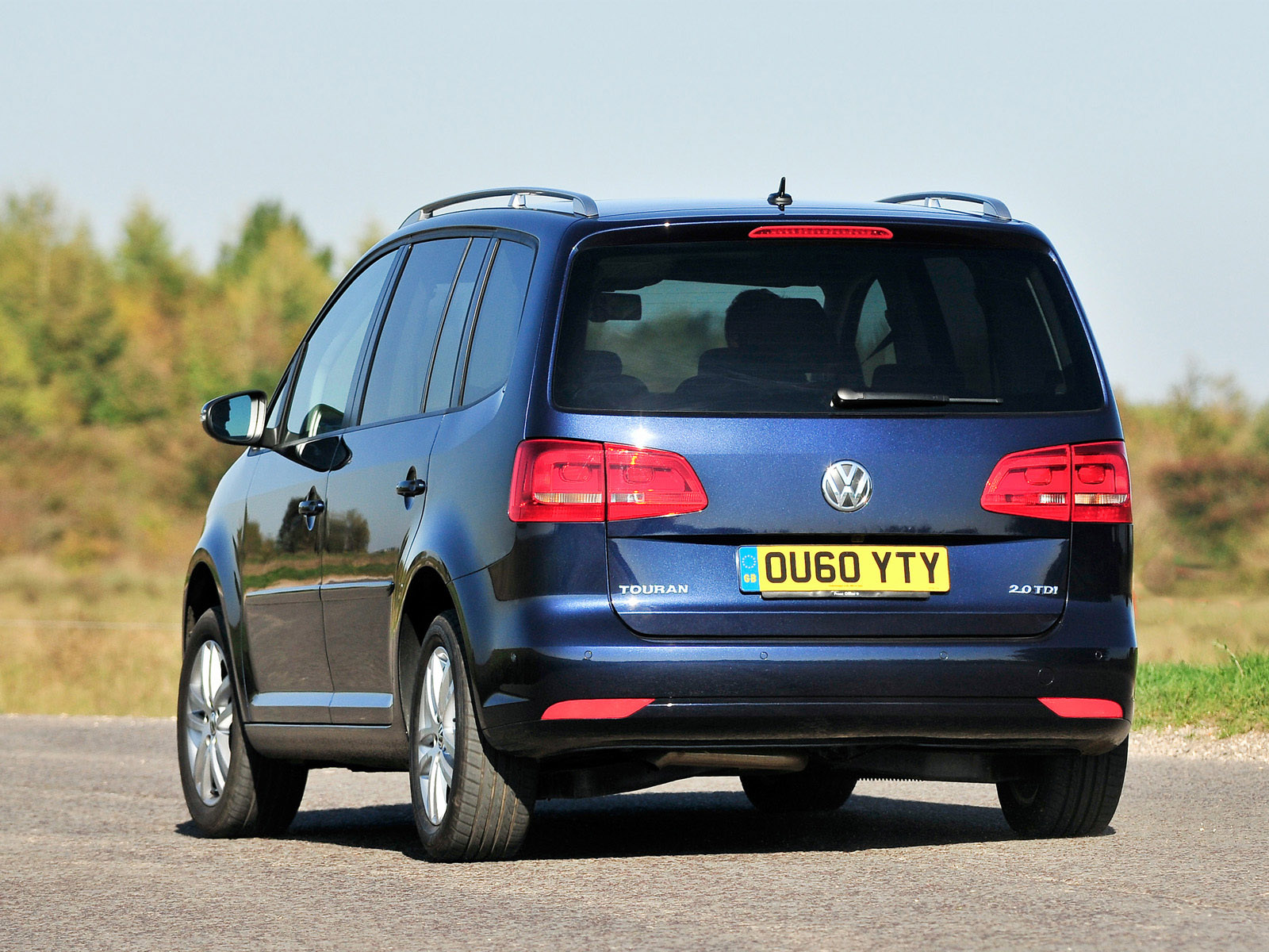 volkswagen touran uk 2010 volkswagen touran uk 2010 photo 17 car in pictures car photo gallery. Black Bedroom Furniture Sets. Home Design Ideas