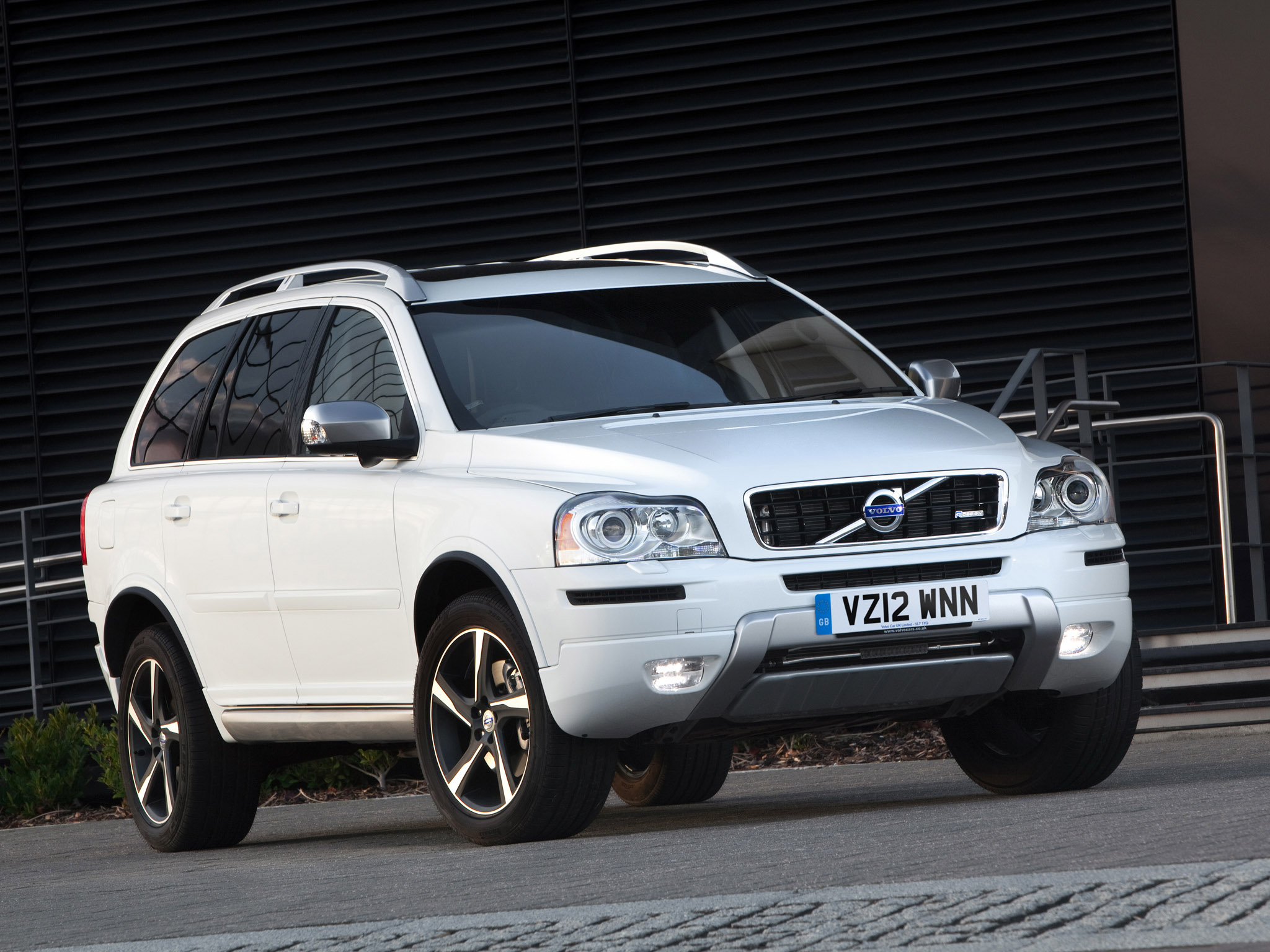 volvo xc90 r design uk 2012 volvo xc90 r design uk 2012 photo 05 car in pictures car photo. Black Bedroom Furniture Sets. Home Design Ideas