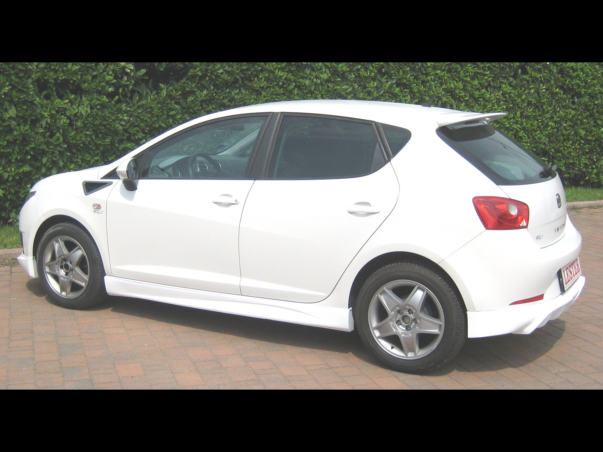lester seat ibiza 6j 5 door 2010 lester seat ibiza 6j 5 door 2010 photo 3 car in pictures. Black Bedroom Furniture Sets. Home Design Ideas