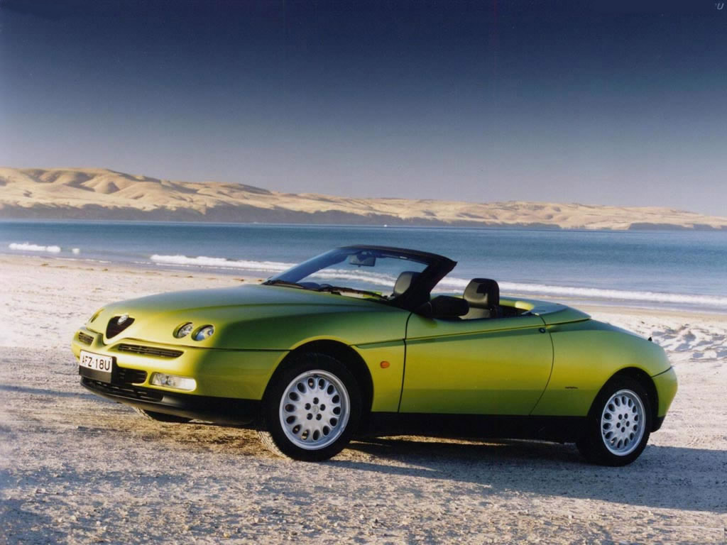car in pictures car photo gallery alfa romeo spider 916 uk 1994 1989 photo 04. Black Bedroom Furniture Sets. Home Design Ideas