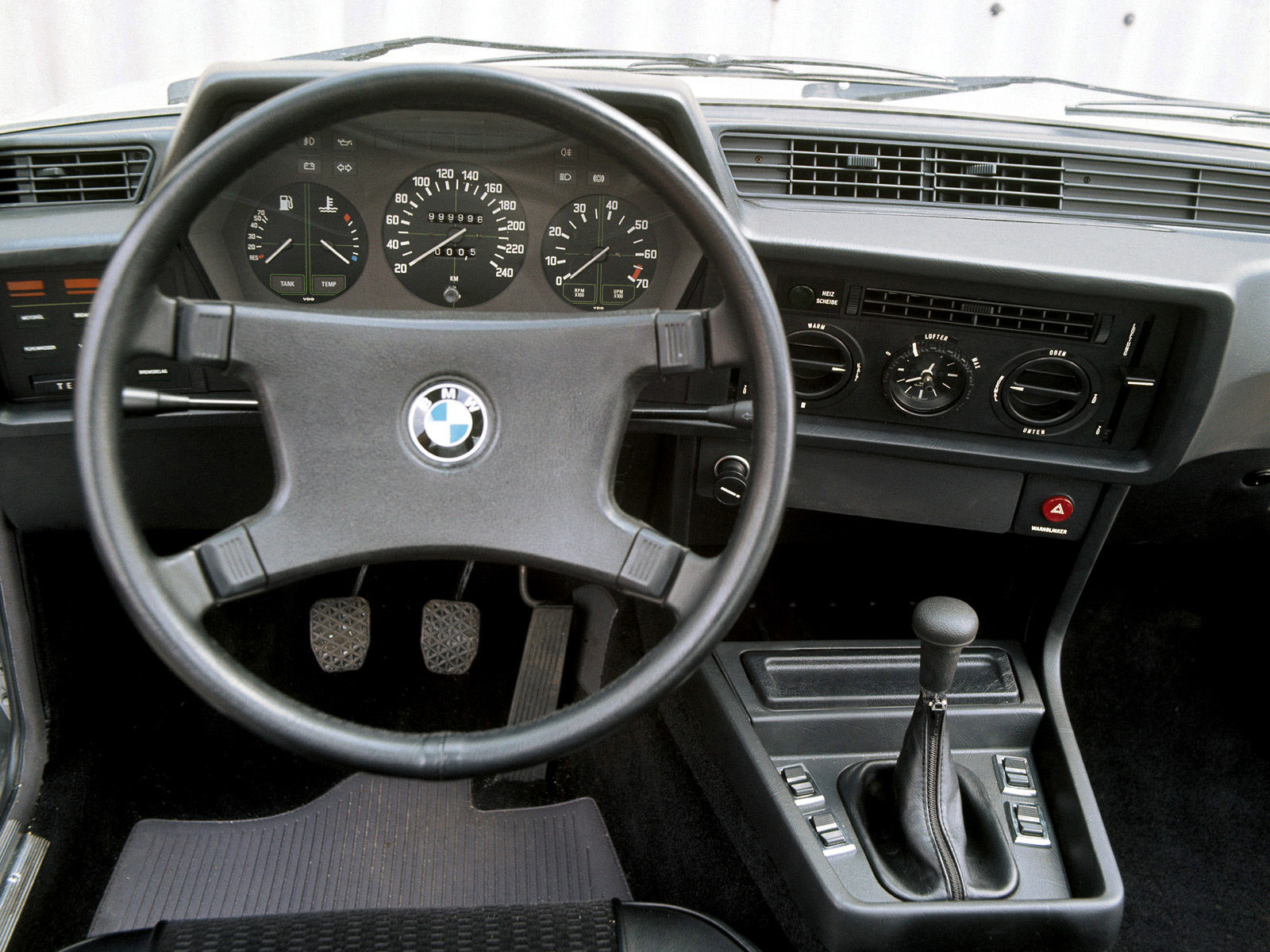Car in pictures - car photo gallery » BMW 6-Series 635csi E24 1978-1987 Photo 01