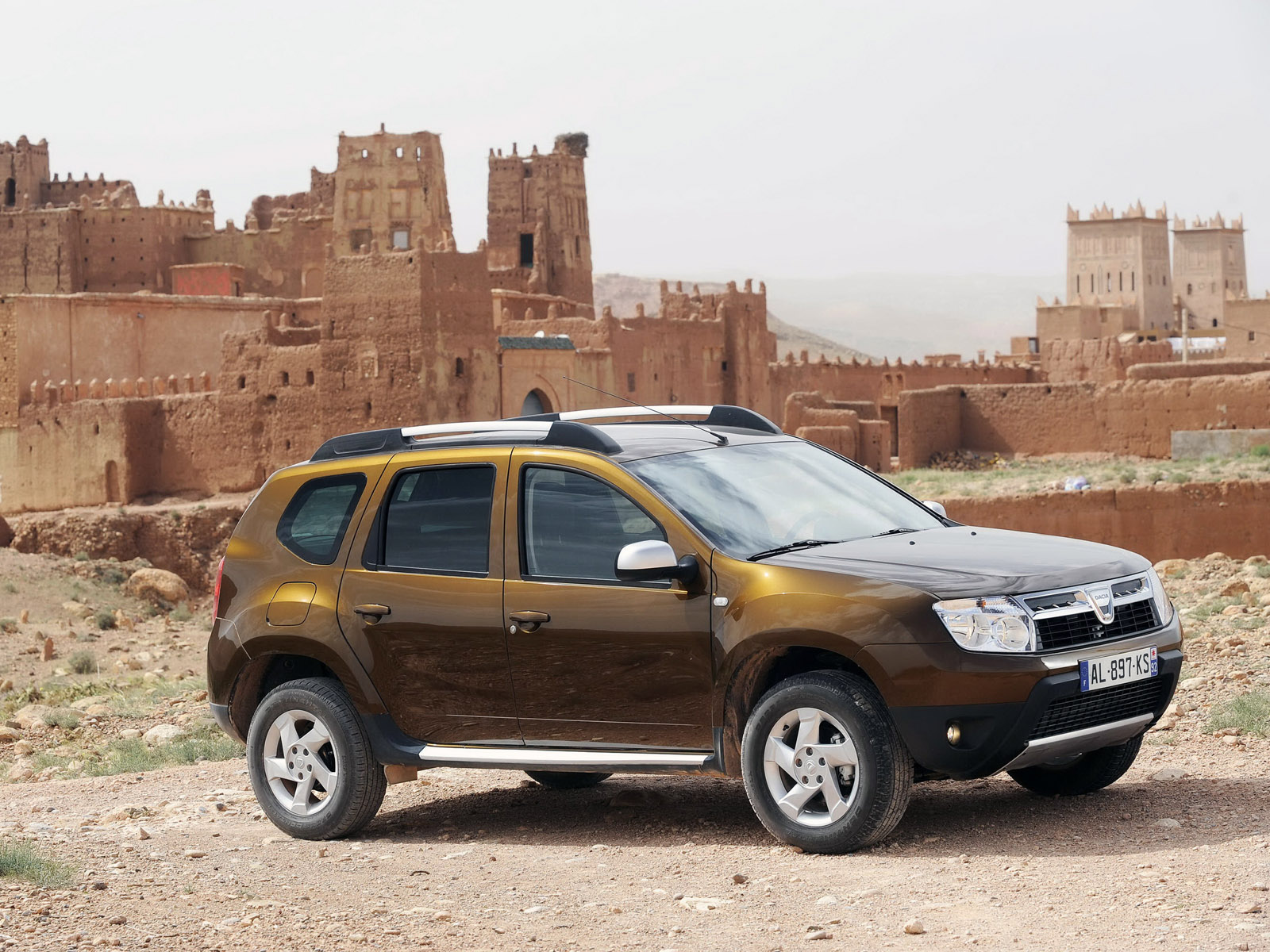 dacia duster 2010 dacia duster 2010 photo 18 car in pictures car photo gallery. Black Bedroom Furniture Sets. Home Design Ideas