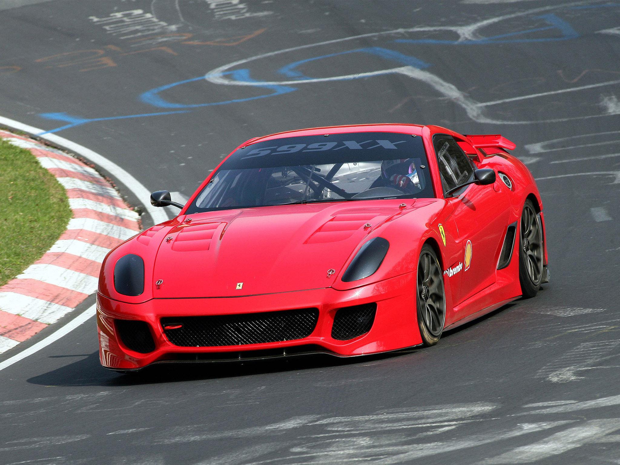 С его помощью ff способен набирать 100 км/ч за 3,7 секунды, а его максимальная скорость составляет