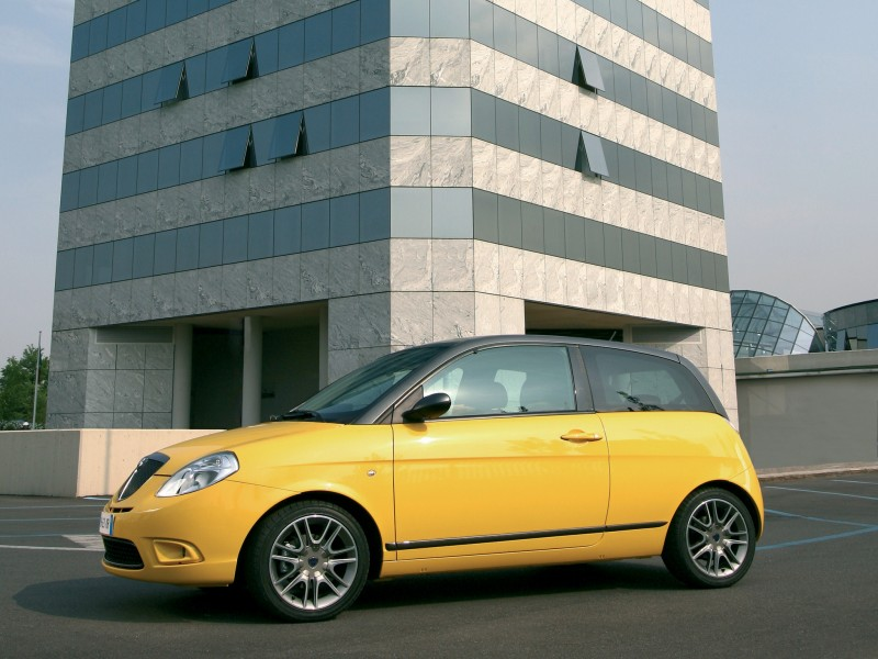 Lancia Ypsilon Sport MOMO Design 2007 Photo 16