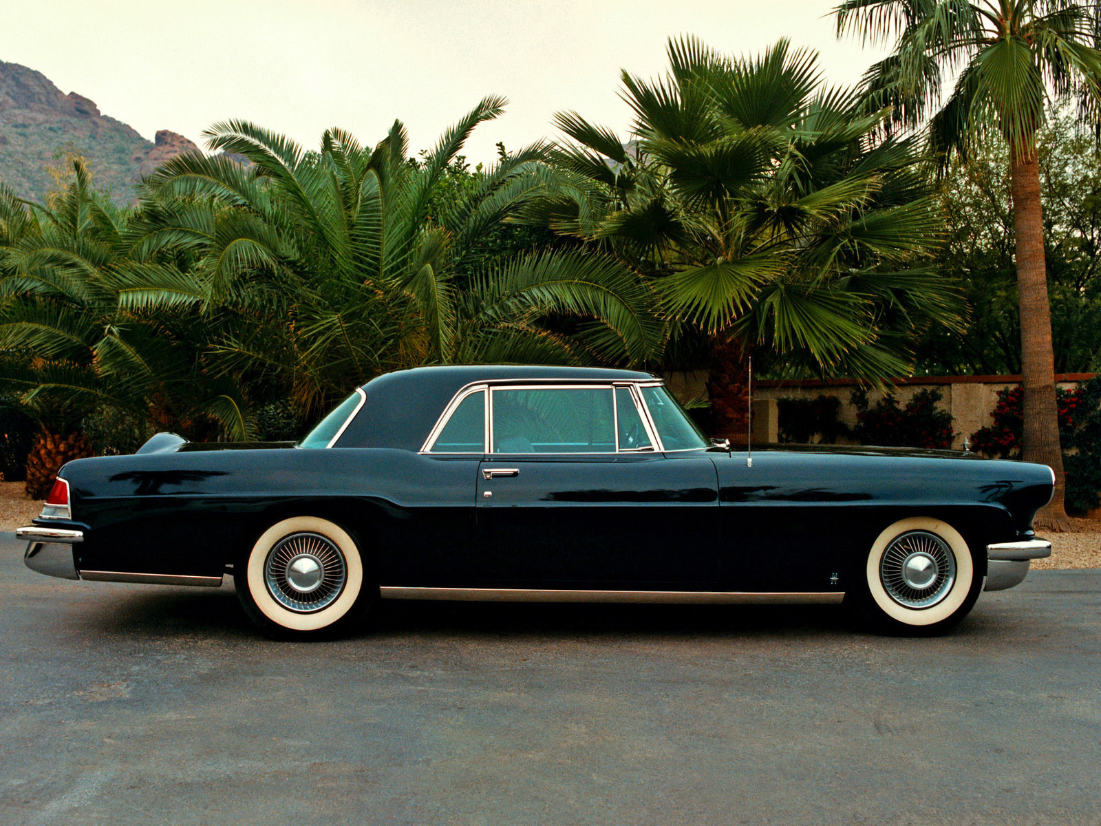 lincoln continental mark ii 1956 1957 lincoln continental mark ii 1956 1957 photo 07 car in. Black Bedroom Furniture Sets. Home Design Ideas