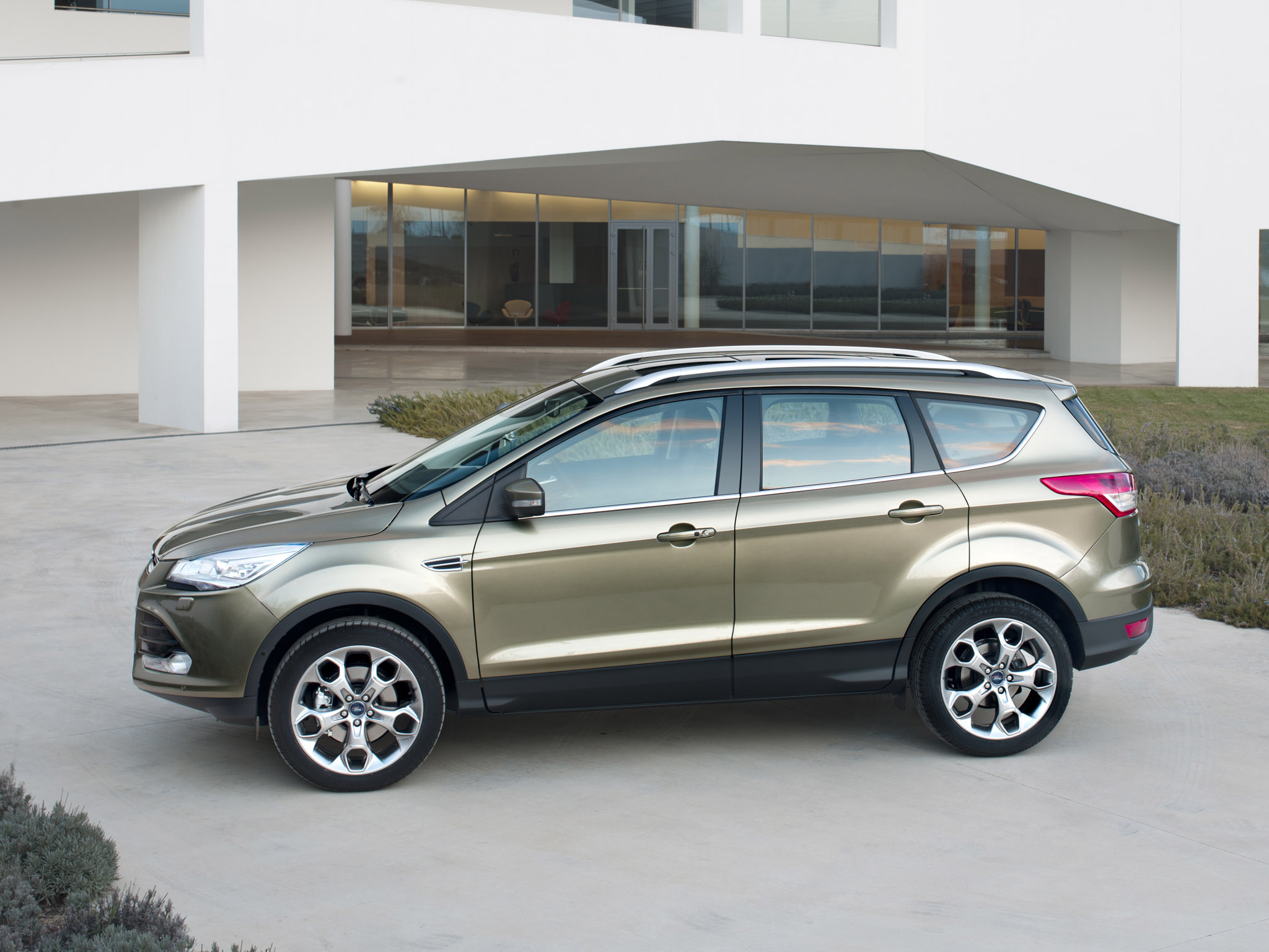 ford kuga 2012 ford kuga 2012 photo 20 car in pictures car photo gallery. Black Bedroom Furniture Sets. Home Design Ideas