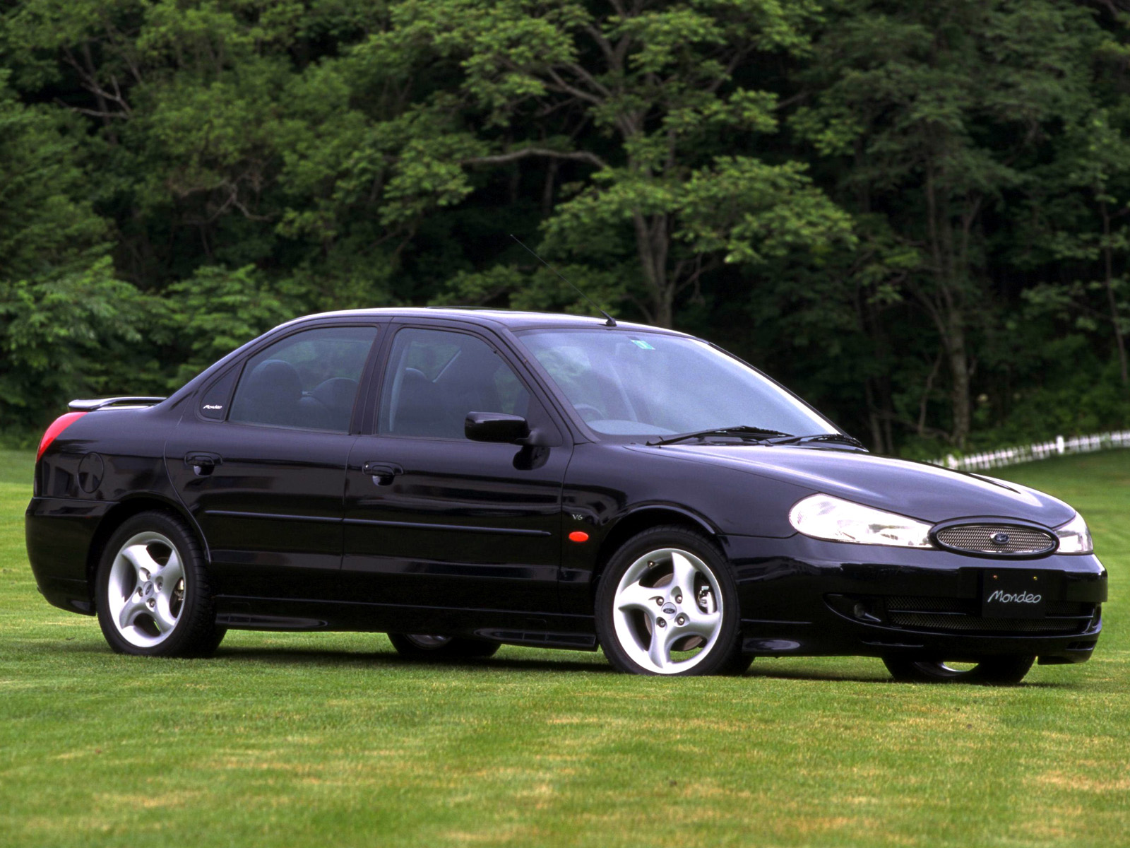 ford mondeo sedan japan 1996 2000 ford mondeo sedan japan 1996 2000 photo 02 car in pictures. Black Bedroom Furniture Sets. Home Design Ideas
