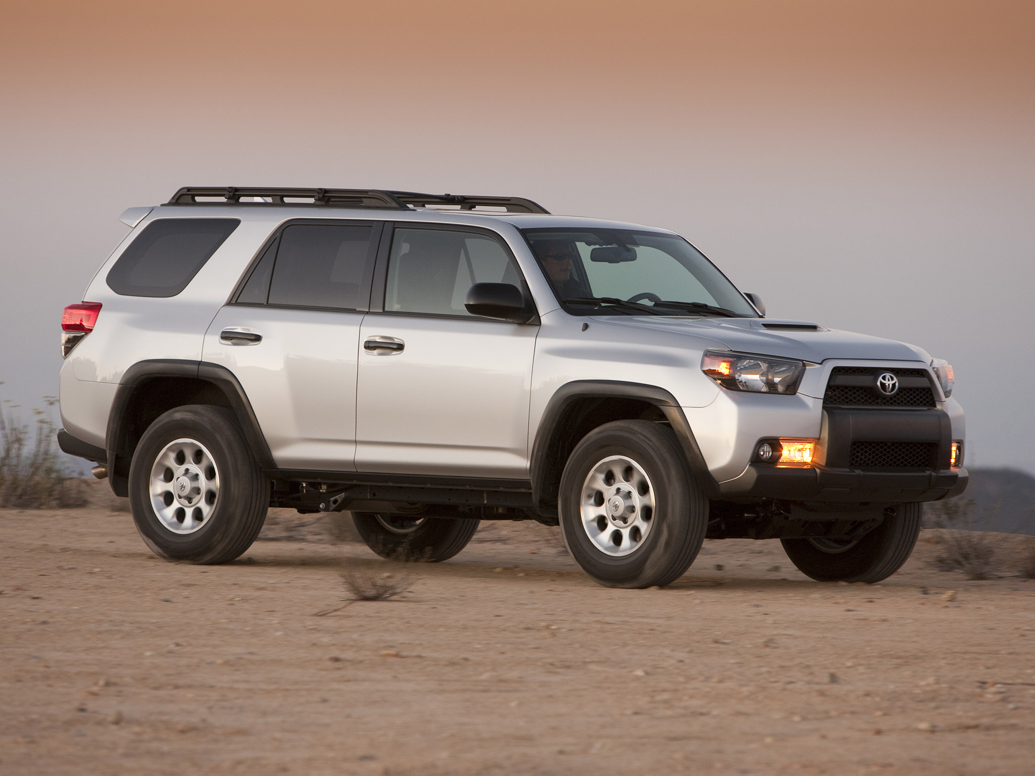 toyota 4runner trail 2010 toyota 4runner trail 2010 photo 07 car in pictures car photo gallery. Black Bedroom Furniture Sets. Home Design Ideas
