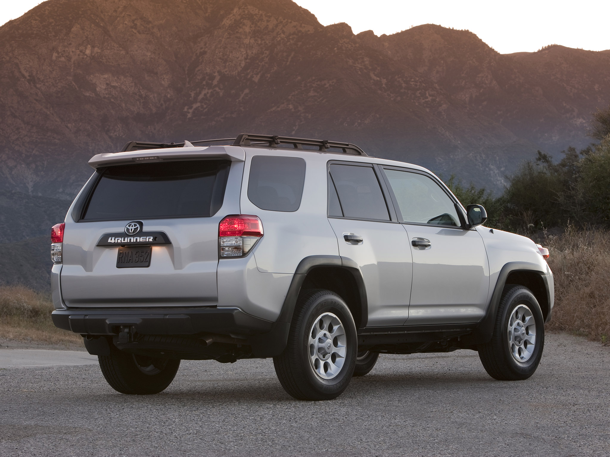 toyota 4runner trail 2010 toyota 4runner trail 2010 photo 11 car in pictures car photo gallery. Black Bedroom Furniture Sets. Home Design Ideas
