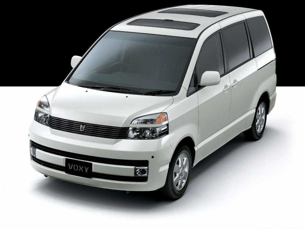 Image Gallery Toyota Voxy 2012