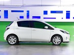 Toyota Yaris Hybrid 2012 Photo 02