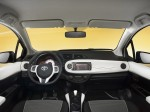 Toyota Yaris Trend 5 door 2012 Photo 01