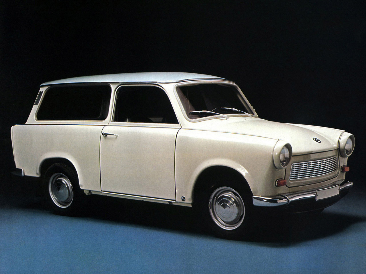 trabant 601 universal 1965 1989 trabant 601 universal 1965 1989 photo 01 car in pictures car. Black Bedroom Furniture Sets. Home Design Ideas