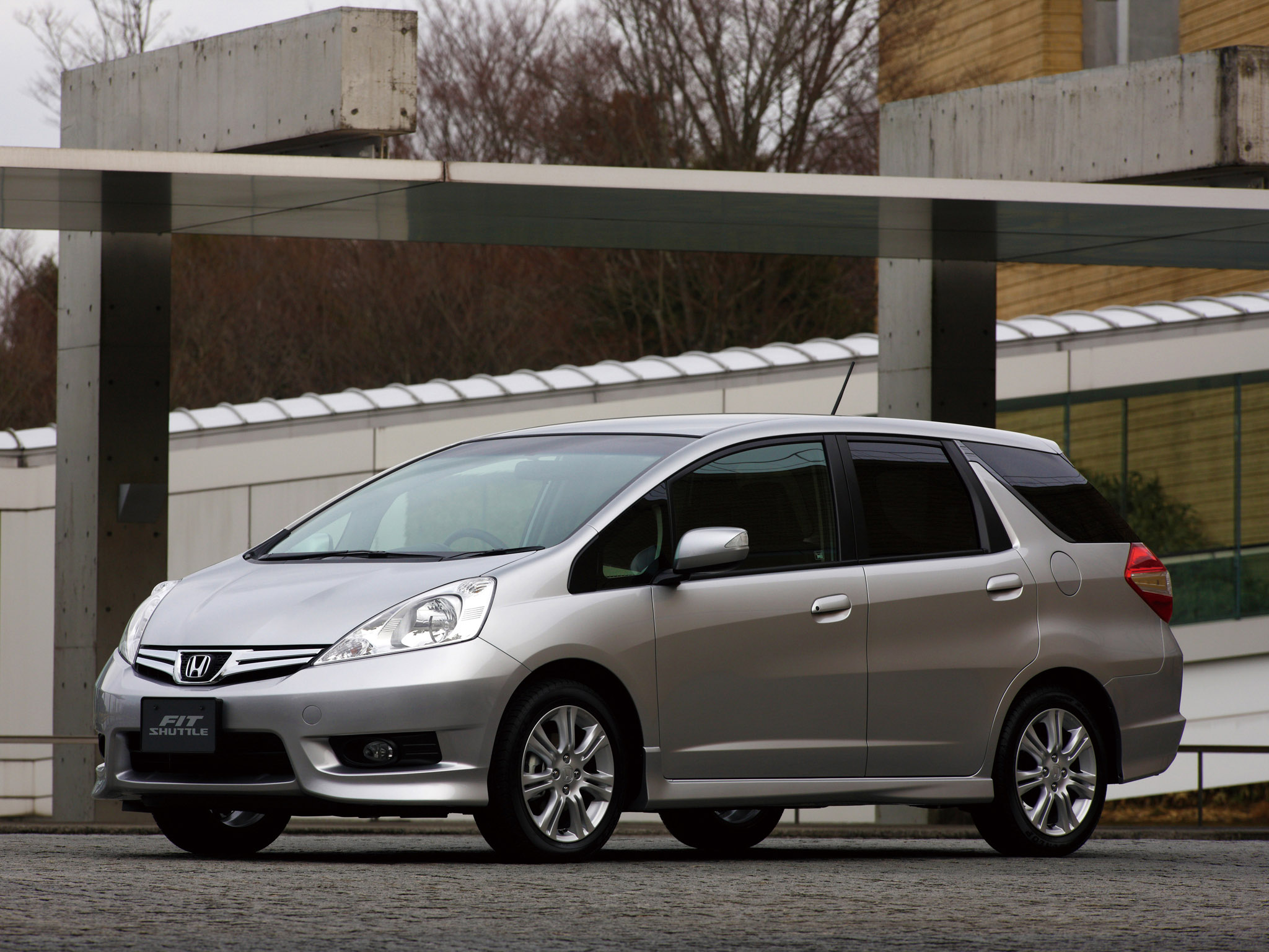 Honda Fit Shuttle Hybrid 2012, GREEN - Autocraft Japan