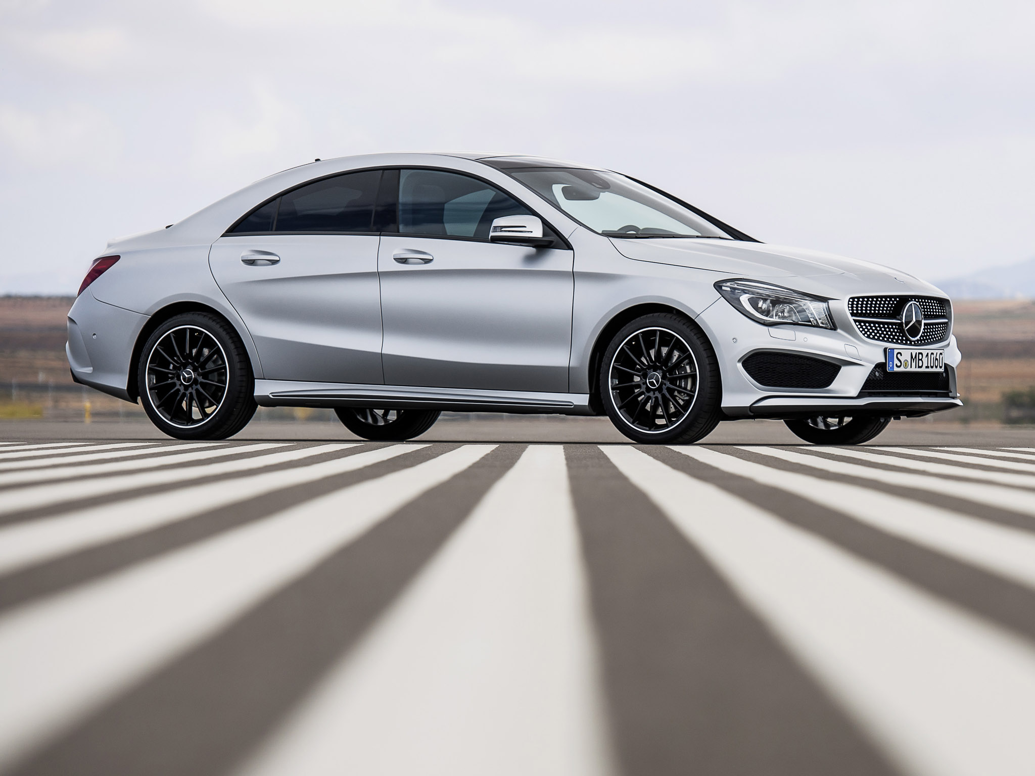 Mercedes cla 250 amg sports package edition 1 2013 for Mercedes benz cla 250 sport 2013